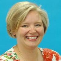portrait of Dr Julie-Ann MacLaren
