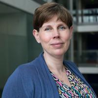 Divisional Lead Dr Lisa Reynolds