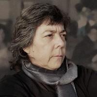 portrait of Dr Esther Mondragón