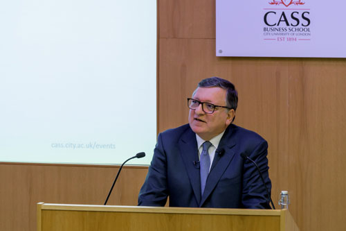 José Manuel Barroso at lecturn delivering the Mais Lecture at Cass