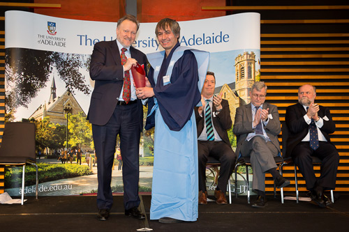 Adrian Cheok recieving his award from the University of Adelaide
