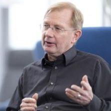 Portrait of Dr Peter Grant FRHistS