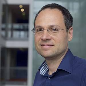 portrait of Professor Emmanuel Pothos