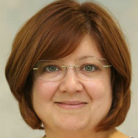 Portrait of Dr Ruth Windscheffel