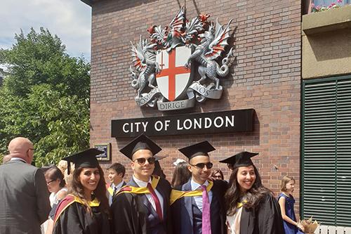 https://www.city.ac.uk/__data/assets/image/0005/423977/London-graduation_portrait.jpg