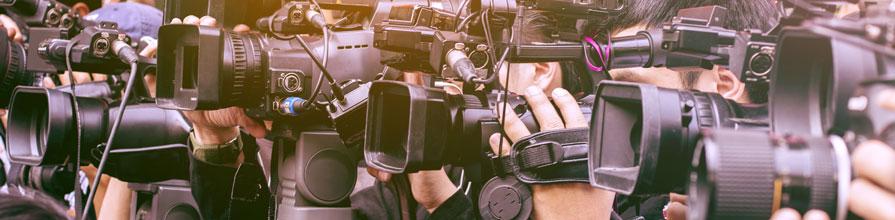 Journalists cameras