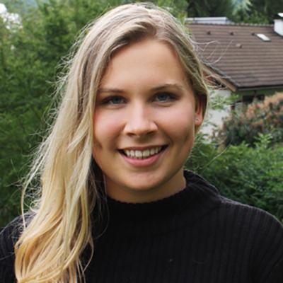 Julia Drahoss smiling