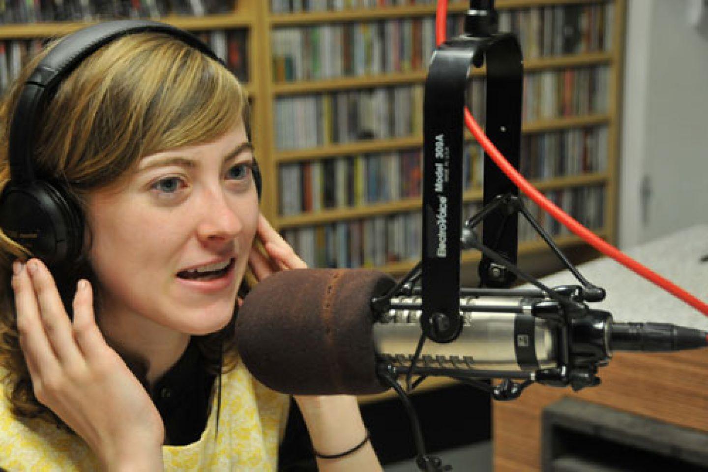 An expert woman on a news broadcast