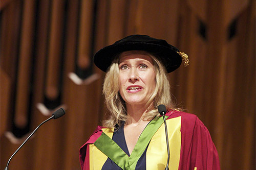 Sophie-Raworth-speech-graduation-2013
