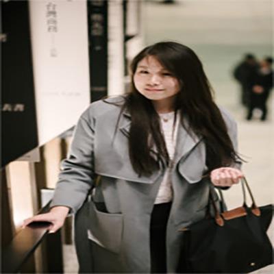 Zoey Jiang is an alumni ambassador