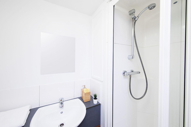 Romano court shared bathroom