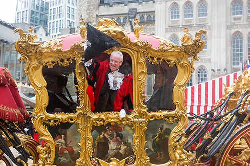 Lord Mayor waving from his carriage