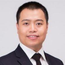Portrait of Dr Zhongwei Huang