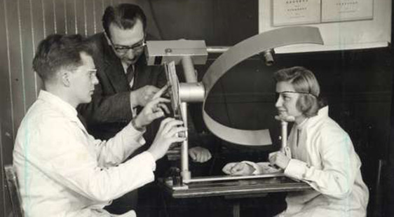 Old photograph of students in the Department of optometry and Visual Science