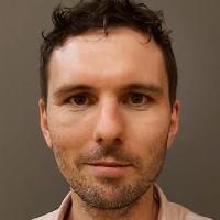 portrait of Dr Tobias Bennett