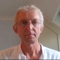 portrait of Professor Ian Loveland