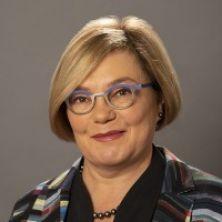 Portrait of Professor Paula Jarzabkowski