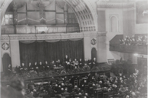 Old photograph of the Great Hall at City