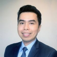 Portrait of Dr Anh Tran