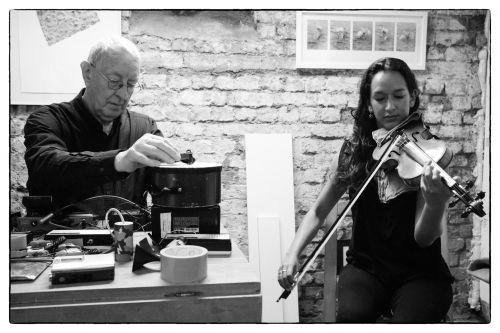 Mandhira de Saram and Steve Beresford, photo by Fabio Lugaro
