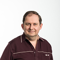 portrait of Dr Andrew MacFarlane