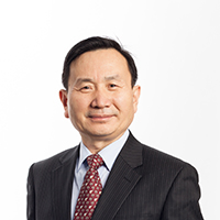 portrait of Professor Qingwei Ma