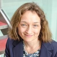 portrait of Dr Corinna Haenschel