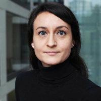 portrait of Dr Anne-Kathrin Fett