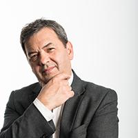 portrait of Dr Peter Popov