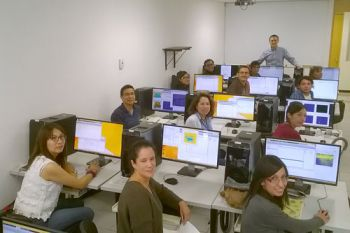 Dr Carlos Reyes Aldosoro to the National University of Mexico for a workshop on medical imaging