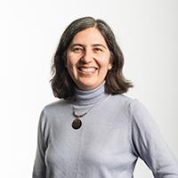 portrait of Dr Cristina Gacek