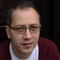 Dr Dan Mercea