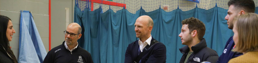 Matt Dawson talks with City rugby teams during CitySport visit
